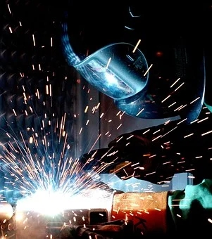 The development of the non-ferrous metal industry is expected to continue to improve this year